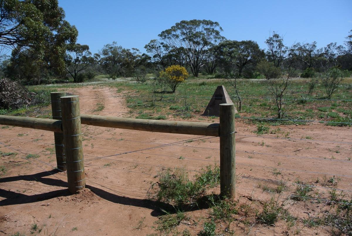 Gate Entrance Goschen. School Monument .
